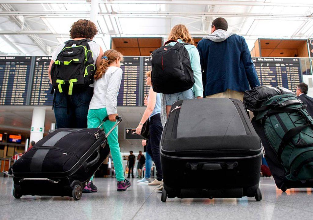 Распространение коронавируса повлияло на отпускные планы россиян | CityTraffic