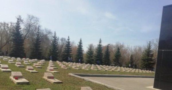 На содержание мемориала воинских захоронений на городском кладбище Самары выделено 3,8 млн рублей | CityTraffic