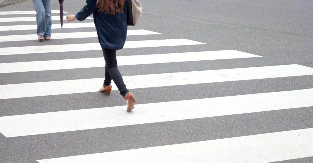 Россияне предлагают ввести административную ответственность для пешеходов, по вине которых произошли ДТП | CityTraffic