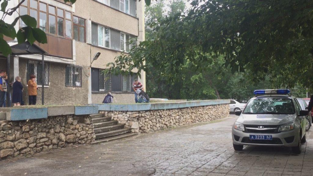 В Тольятти с высоты 12-го этажа упал промышленный альпинист | CityTraffic