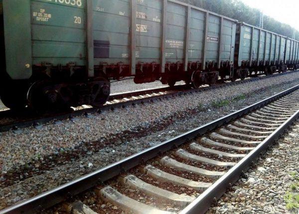 В Сызрани мужчине отрезало ноги грузовым поездом | CityTraffic