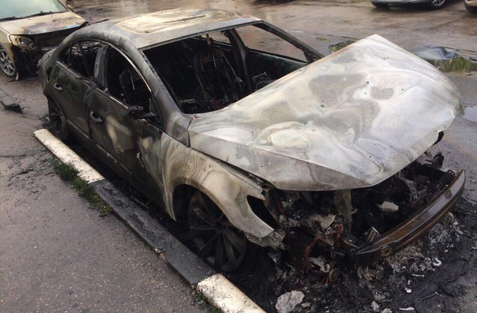 В Самаре Lexus врезался в столб и сгорел | CityTraffic