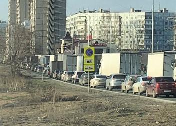 Чиновники администрации Тольятти не могут решить проблему с несоблюдением запрета на проезд грузовиков через ГЭС | CityTraffic