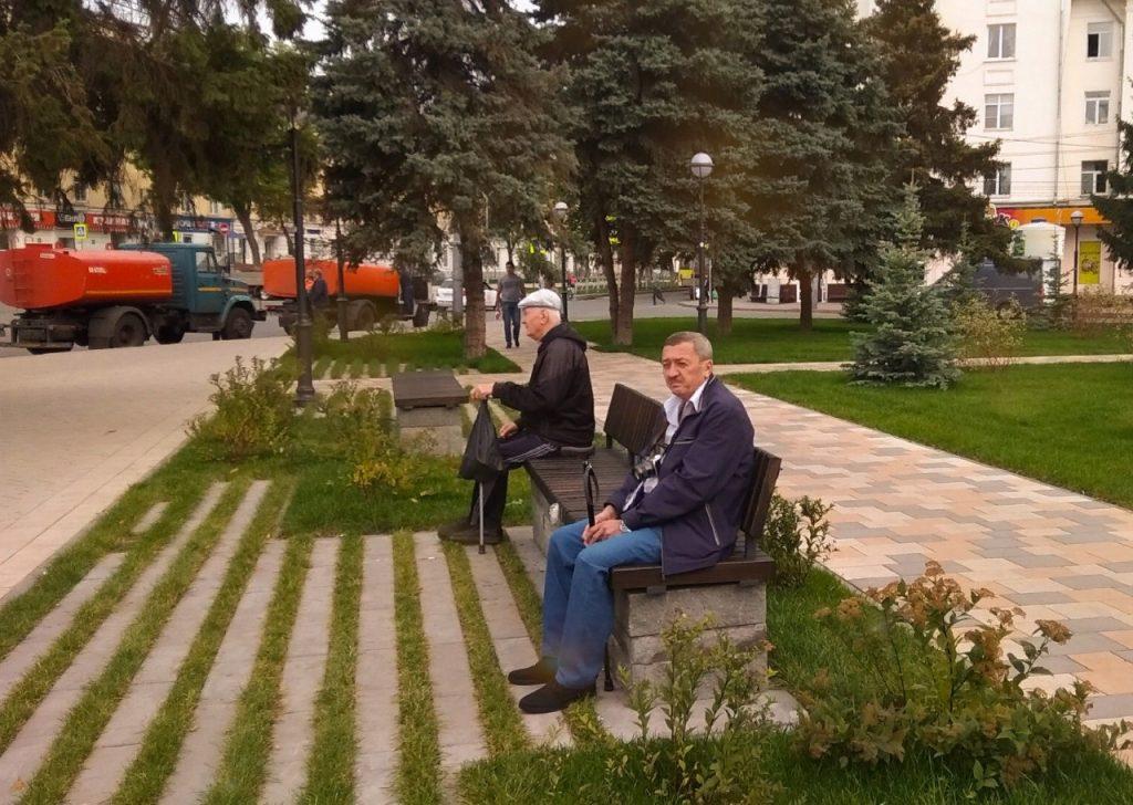В Самаре на проспекте Металлургов установили 90 дизайнерских скамеек и 32 дивана | CityTraffic