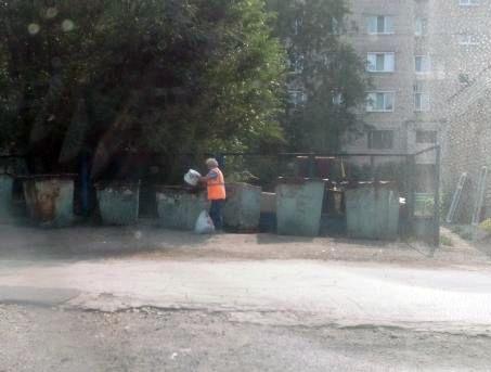 В Сызрани УК сама мусорила на контейнерной площадке, которую должна убирать | CityTraffic