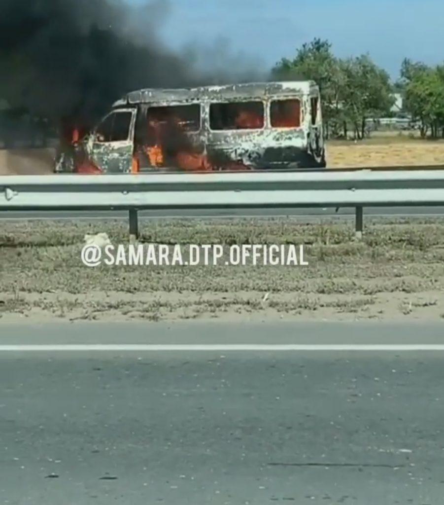 "На трассе ""Самара-Бугуруслан"" сгорела ГАЗель: видео | CityTraffic"