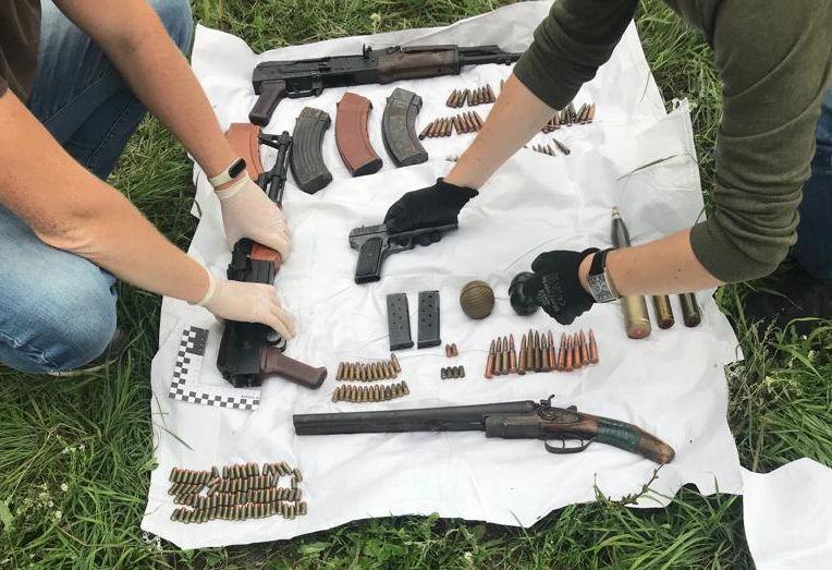 Под Сызранью обнаружили схрон с оружием и боеприпасами | CityTraffic