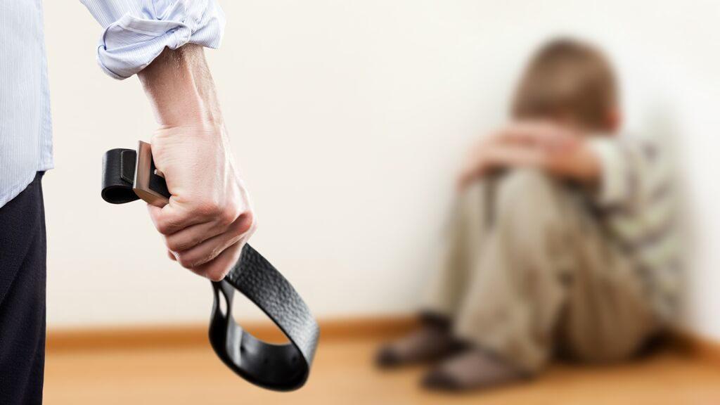 В Следственном комитете напомнили, куда нужно звонить, если жизни или здоровью ребенка что-либо угрожает | CityTraffic