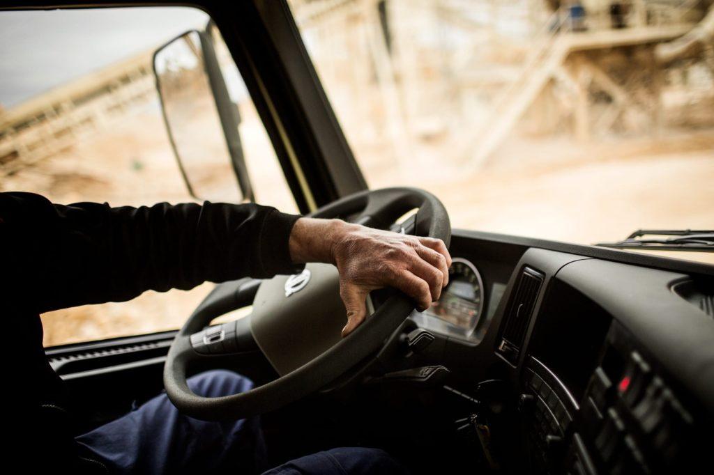 Работа есть, а работников нет: в Самаре на рынке труда самая низкая конкуренция среди водителей и продавцов | CityTraffic