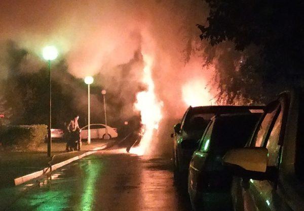 Трое жителей Ульяновска подожгли БМВ в Тольятти | CityTraffic