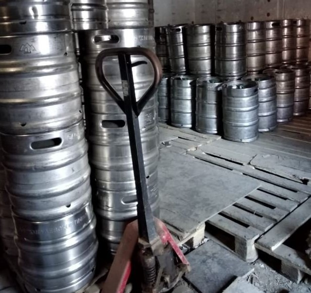 Сотрудники Минпромторга нашли на подпольном складе в Самаре более 16 тысяч литров пива | CityTraffic