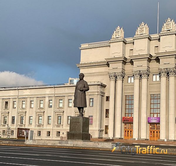 Территорию ярмарки на площади Куйбышева в Самаре уберут за полмиллиона рублей | CityTraffic