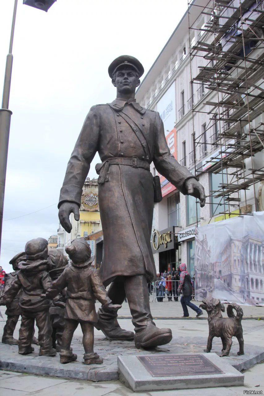 Памятник Дяде Степе вСамаре сломали дети