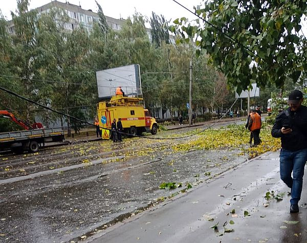 В Тольятти ночью сгорел «Ларгус», еще две машины получили повреждения: видео | CityTraffic