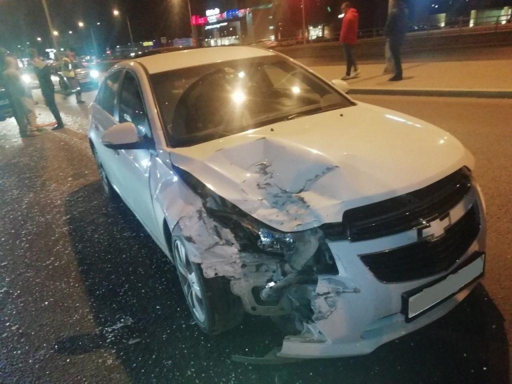 В Самаре столкнулись 3 автомобиля | CityTraffic