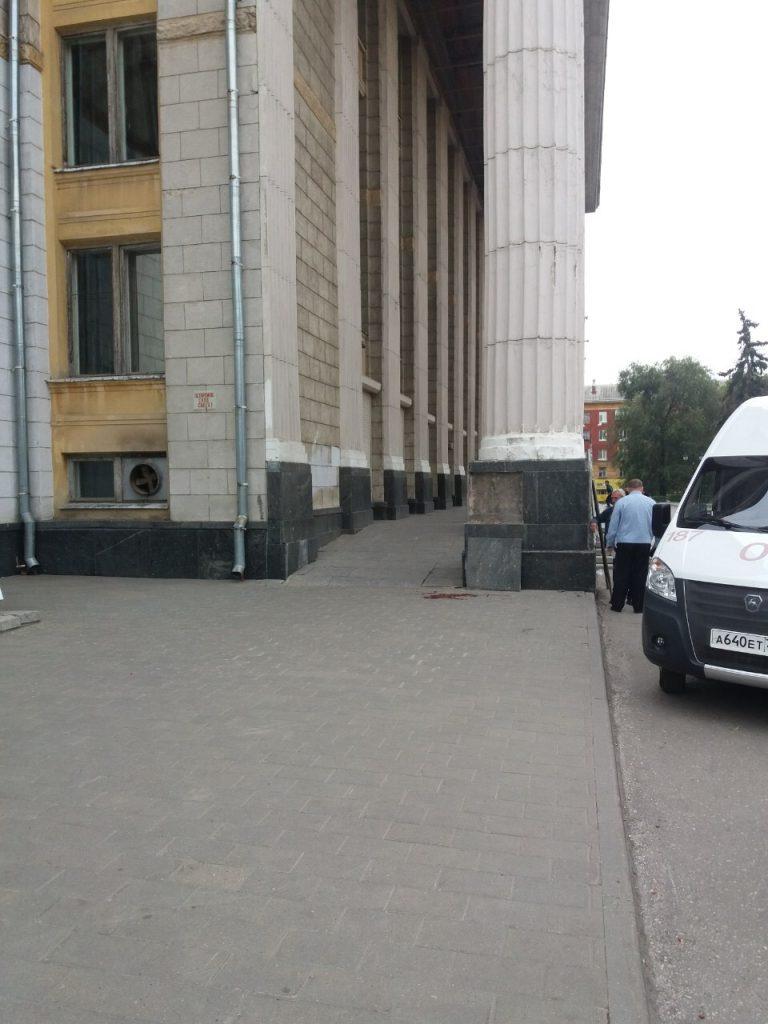 В Самаре закрыли ДК им. Литвинова,  мраморная плита с фасада которого убила 10-летнего ребенка: видео | CityTraffic