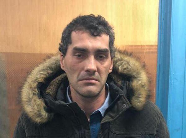 Житель Самары помог полиции поймать мужчину, который напал на девушку сножом иранил ее