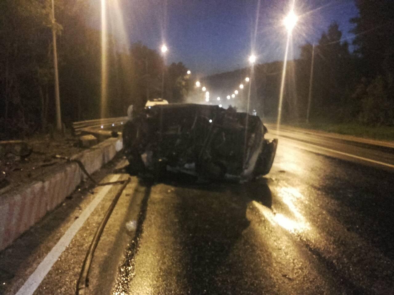 Водитель, сгоревший вавтомобиле на трассе М‑5 вСамарской области, врезался вбетонные блоки