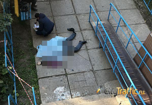В Тольятти сбалкона 16-этажного дома упал мужчина