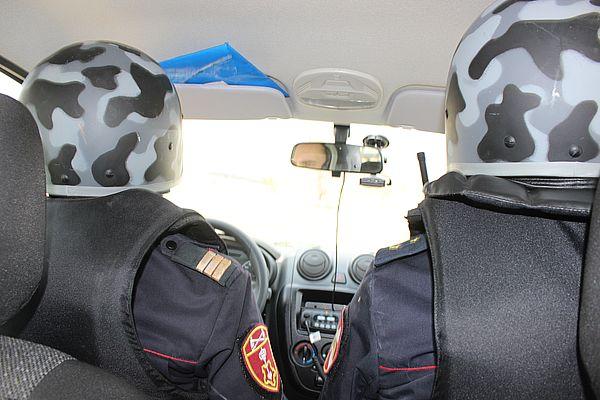 Двоих жителей Самары поймали, когда они выносили резину из чужого гаража | CityTraffic