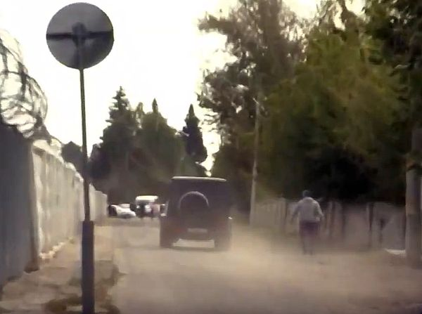 Мамаев и Кокорин вышли на свободу, сели в черный гелендваген и уехали | CityTraffic