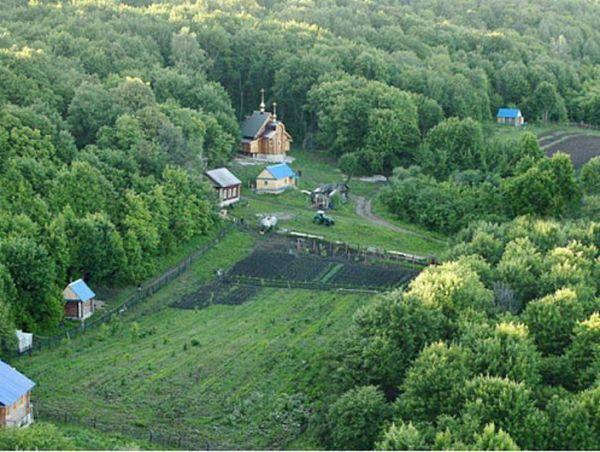 Житель Екатеринбурга приехал в Самарскую область посетить мужской монастырь и пропал в лесу на 2 дня | CityTraffic