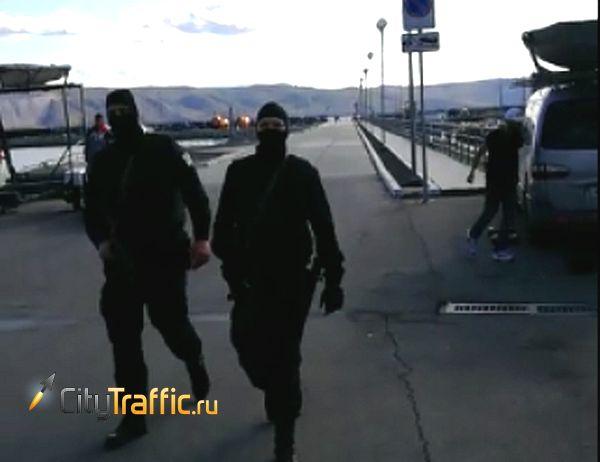В Тольятти люди в масках пришли за инспектором ГИМС: видео | CityTraffic