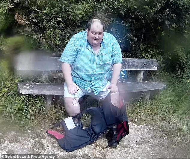 Молодой мужчина похудел на 100 кг и превратился в красавца после того, как из-за своего обжорства чуть не лишился ноги   CityTraffic