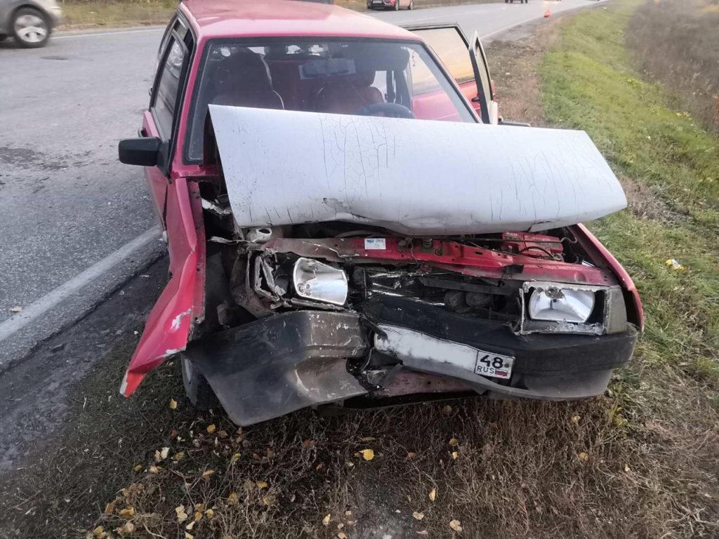Трое детей пострадали в результат столкновения иномарки и вазовской легковушки в Безенчукском районе области | CityTraffic