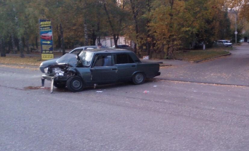 Тольятти «Газель» неудачно перестроилась на дороге и «подбила» «семерку» с начинающим водителем | CityTraffic