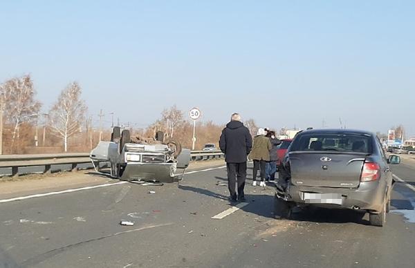 В Тольятти на Обводном шоссе перевернулась «семерка» | CityTraffic