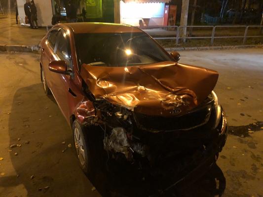 В Самаре сотрудник Росгвардии устроил аварию на перекрестке: видео | CityTraffic