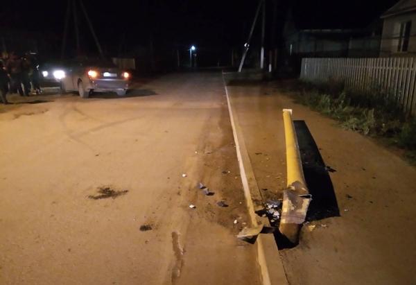 В Самарской области водитель без прав снес газовую опору, пострадал 1 человек | CityTraffic