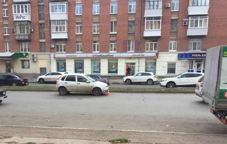 В Самаре 60-летний пешеход-нарушитель попал под колеса «Калины» | CityTraffic