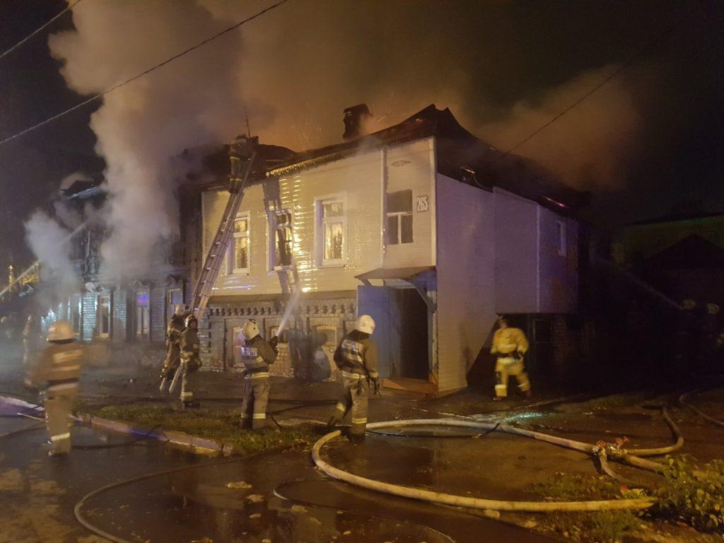 В ГУ МЧС назвали предварительную причину ночного пожара в двух жилых домах Ленинского района Самары | CityTraffic