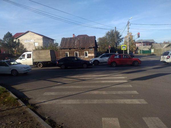 В Сызрани на пешеходном переходе сбита женщина с ребенком | CityTraffic