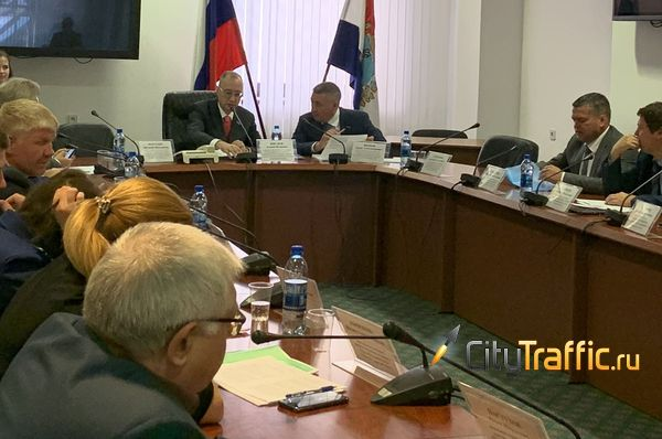 Депутаты СГД требуют проверить, как в экологической газете региона появились крокодилы и носороги | CityTraffic