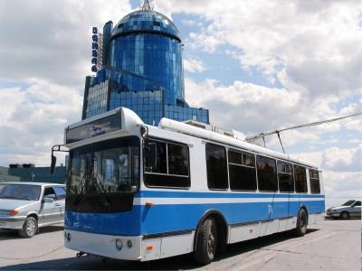 В Самаре из-за аварии на водоводе  на улице Чкалова троллейбусы №№ 4 и 15  изменят свои маршруты | CityTraffic