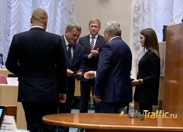 В Самарской Губернской думе вручили удостоверения двум новым «единороссам» | CityTraffic