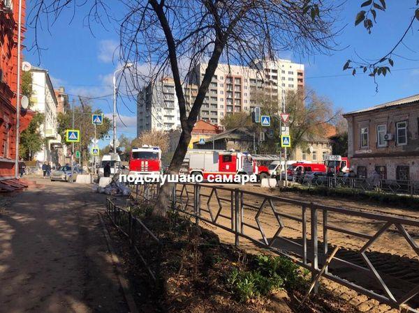 В центре Самары горит двухэтажный дом | CityTraffic