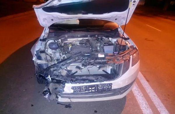 "В Самаре на перекрестке столкнулись ""Гранта"" и ""Шкода"", пострадала женщина | CityTraffic"