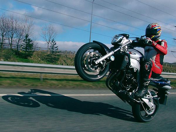 Ежедневно на дорогах города происходят ДТП сучастием мотоциклистов