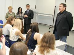 Сегодня вТГУ свизитом побывал ведущий игендиректор «РБК-ТВ» Александр Любимов