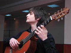 28 апреля на сцене филармонии выступят Сергей Войтенко иКонстантин Окуджава