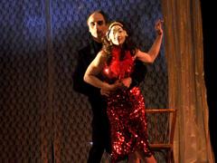 13 мая на сцене театра «Колесо» будет представлен французский спектакль «Атавизм»