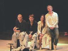В театре «Дилижанс» состоялся закрытий показ спектакля по пьесе Е. Гришковца «ЗИМА»