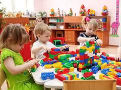 К началу учебного года все дети старше трех лет будут обеспечены местами вдетских садах