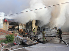 Сегодня утром на крытом рынке по Степана Разина, 9А произошел пожар