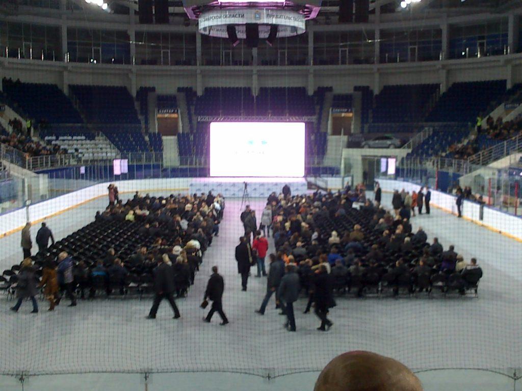 В Тольяттинской школе убирают ручки с окон, чтобы ученики не могли из них выйти | CityTraffic
