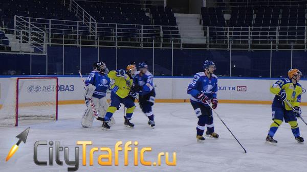 Тольяттинская «Ладья» на своем льду крупно переиграла ХК «Челны» (видео)